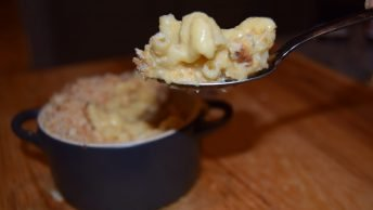 Vegan macaroni cheese